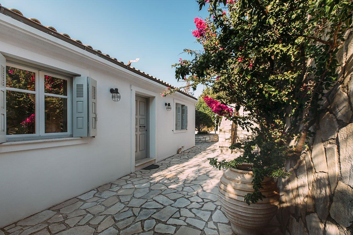 Dandelion Villas Paxos Gardenia Villa Door