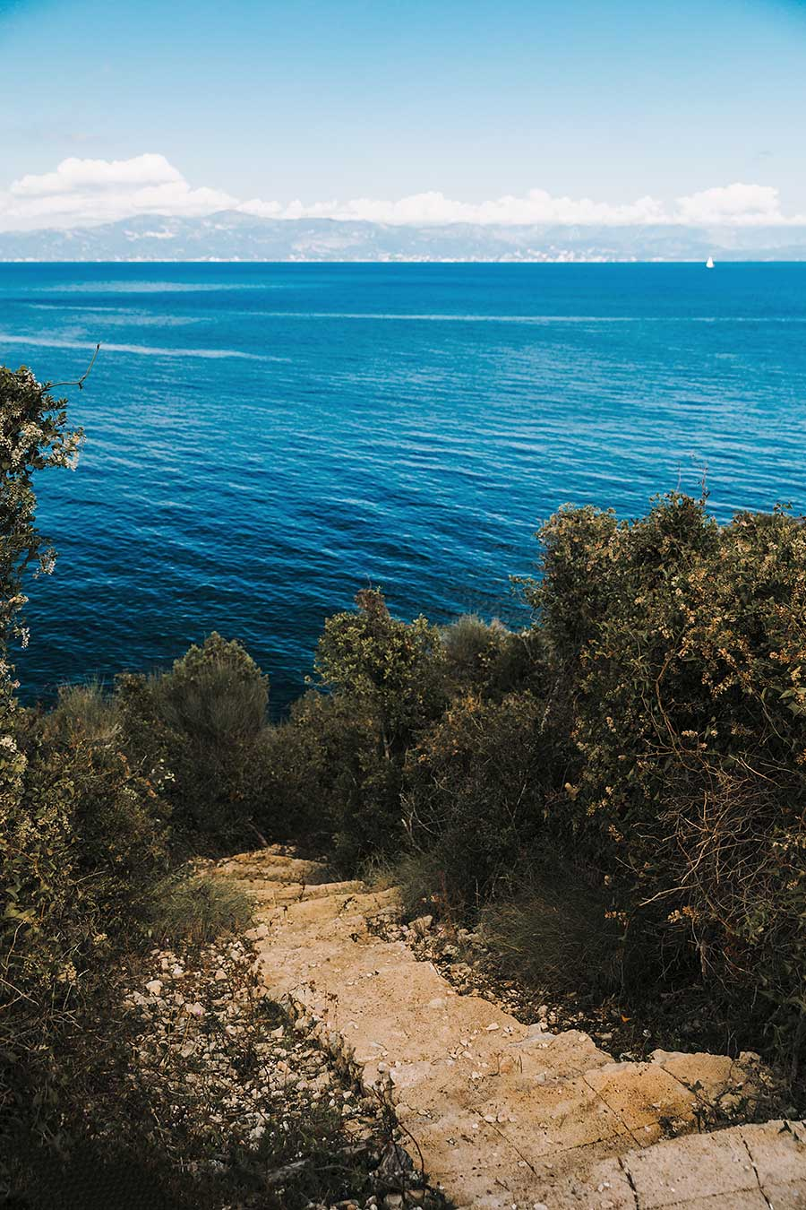 Lovers Nest Bay Path