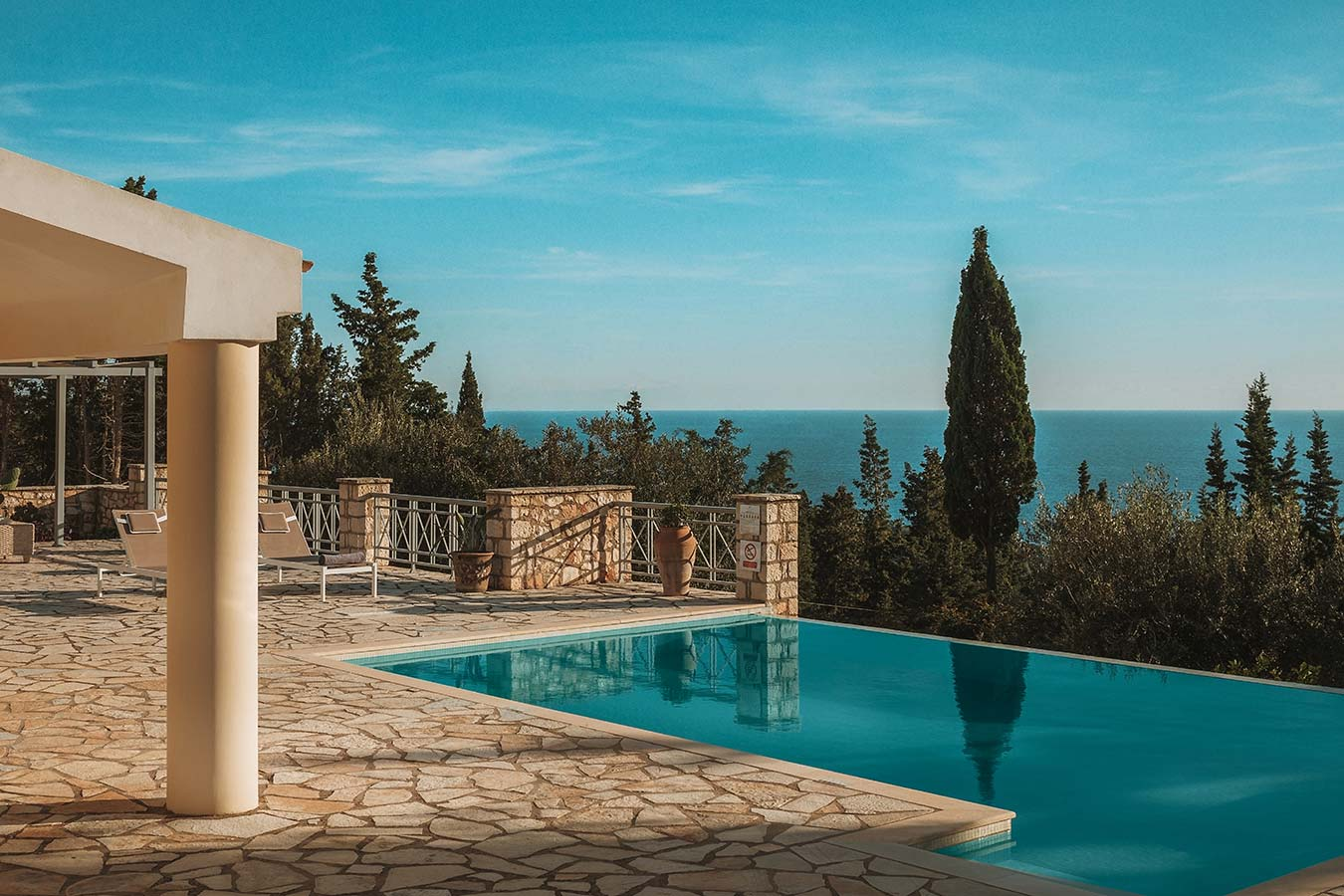 Round-House Paxos Villa Pool