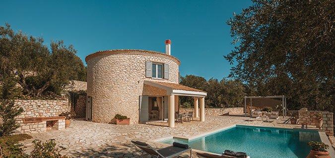 Round-House Paxos Villa