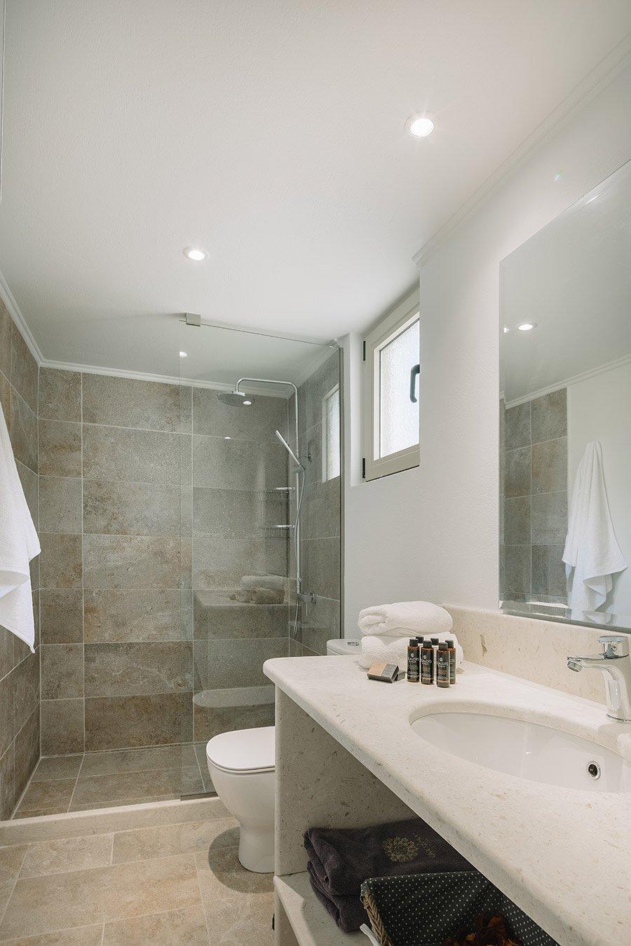 Sapfo Villa Paxos Bathroom